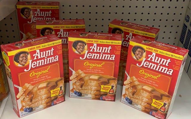 क्वेकर जई का आटा चाची जेमिमा ब्रांड को उसके उत्पादों से कुछ 'उपयुक्त और सम्मानजनक' के पक्ष में हटा देगा
