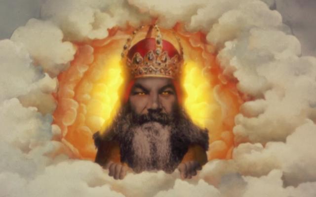 Greg Berlanti acaba de vender un programa de televisión sobre Dios haciéndose amigo de un chico en Facebook