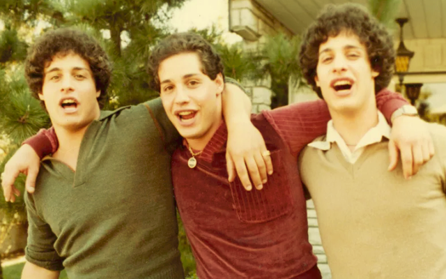 サンダンスドキュメンタリーヒットの3人の同一の見知らぬ人が物語の映画の扱いを受けています