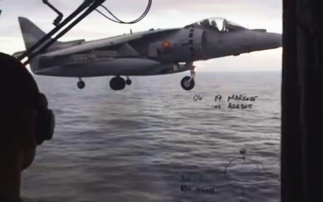 これらのスペインのハリアーがフアンカルロス1世の甲板を積み上げるのを見てください