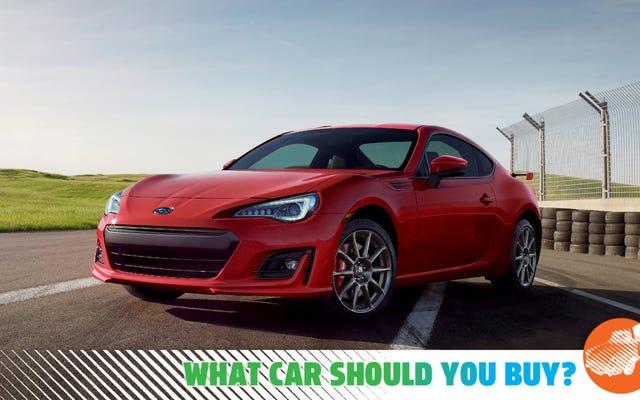 J'échange un coupé sportif contre une voiture de banlieue! Quelle voiture devrais-je acheter?