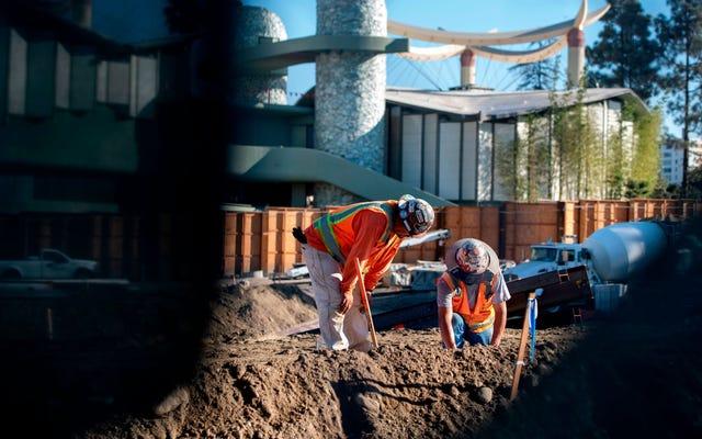 Почему Джо Байдену стоит обменять свой план строительства на новый экологичный курс