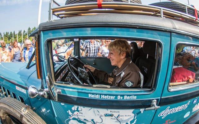 Heidi Hetzer, Tay đua đã đăng quang Quả cầu trong chiếc Hudson năm 1930 ở tuổi 74, qua đời
