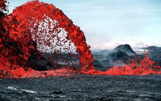 Mereka menemukan aliran lava besar yang belum pernah terdeteksi sebelumnya yang mengalir di bawah tiga kota di Amerika Serikat