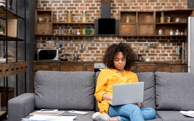 Amerikalı İşçilerin Üçte Birinden Daha Azı Uzaktan Çalışabilir ve Orantısız Şekilde Siyah ve Latin Olamayanlar