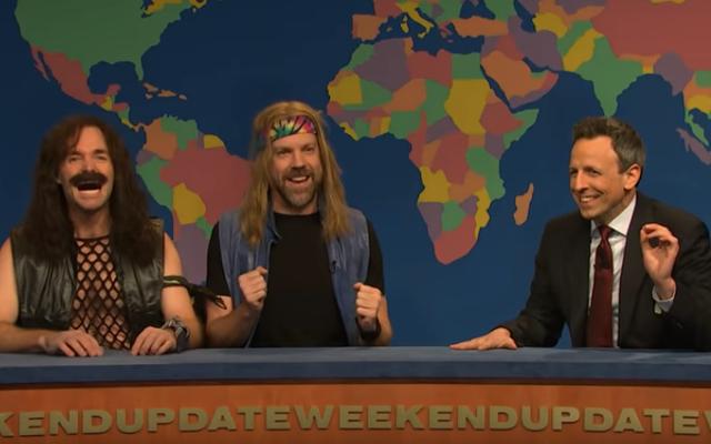 Seth Meyers permette a Jason Sudeikis e Will Forte di regolare i vecchi punteggi del SNL con il Second Chance Theatre
