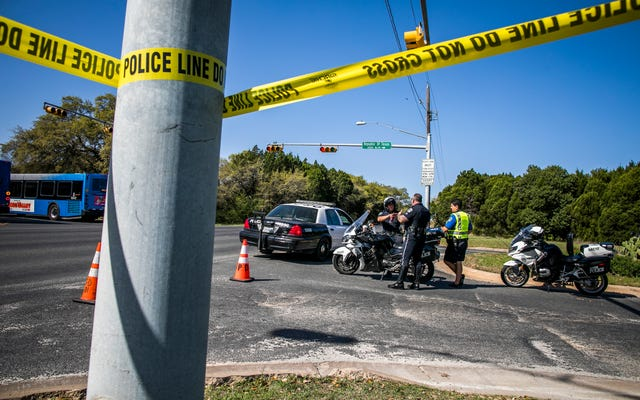 Пакетная бомба, предположительно предназначенная для Остина, взорвалась на предприятии FedEx в Техасе