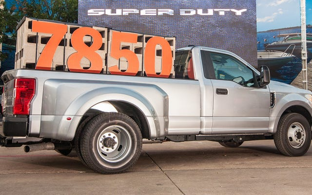 Ecco come potresti effettivamente utilizzare le ridicole specifiche di capacità del nuovo Ford Super Duty