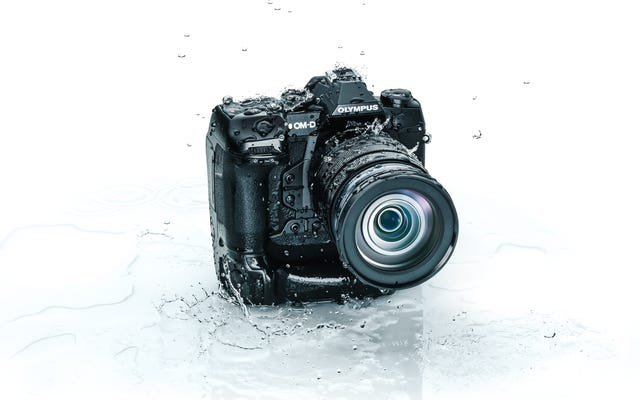 オリンパスがOM-DE-M1Xでフルフレームミラーレスカメラのトレンドを後押し