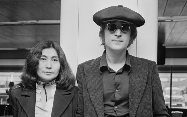 Jean-Marc Vallée z Sharp Objects wyreżyseruje film Yoko Ono o Johnie Lennonie