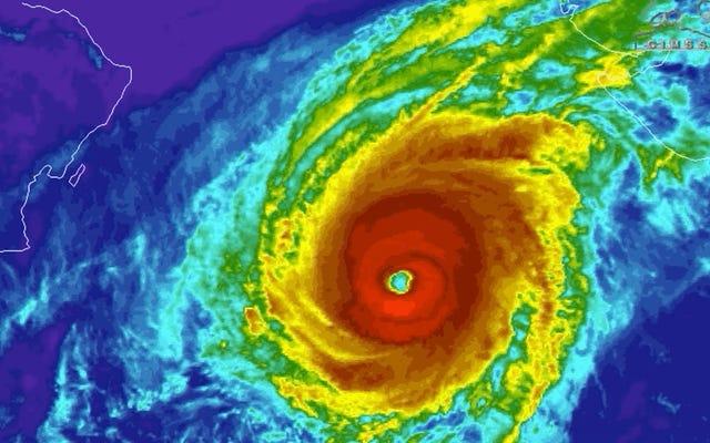 พายุไซโคลนคีร์ซึ่งเป็นพายุที่รุนแรงที่สุดในโลกทำลายสถิติทุกประเภท