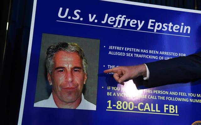 L'ex medico legale di New York ritiene che l'autopsia di Jeffrey Epstein 'punti all'omicidio'