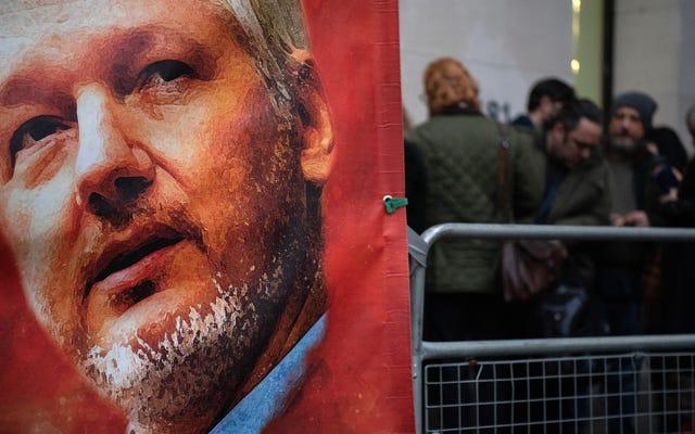 Julian Assange dit que Trump lui a offert un pardon pour refuser la Russie aux démocrates piratés en 2016