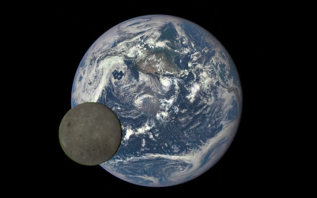 चीनी अंतरिक्ष यान मिशन पर चंद्रमा के सुदूर तरफ तक लॉन्च करता है