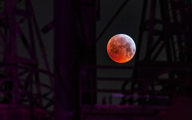 Roviniamo la luna