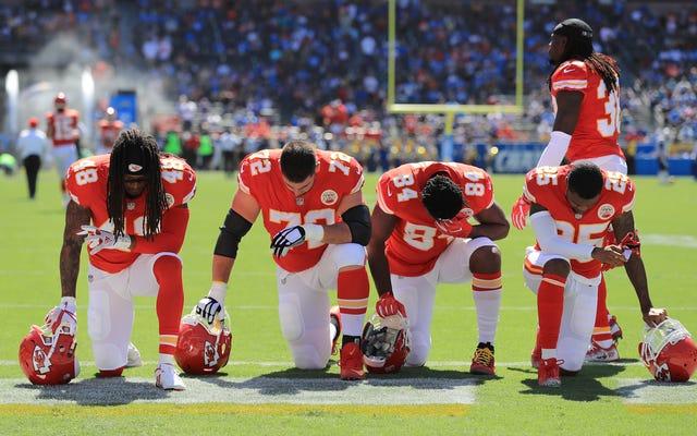 Ese furtivo cambio en la regla del himno nacional de la NFL, y los desafíos legales que presenta, explicados