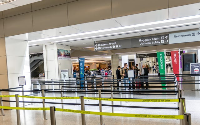 Выделите дополнительное время для прохождения таможни в аэропортах для проверки коронавируса