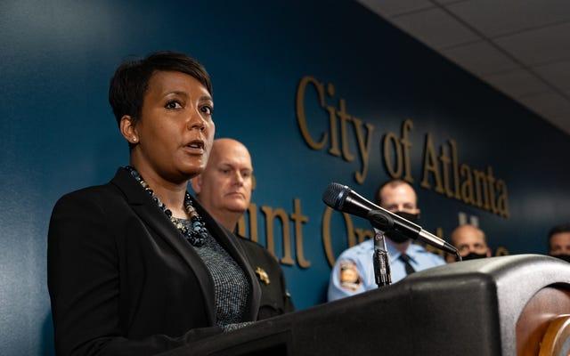La maire d'Atlanta, Keisha Lance Bottoms, prend des mesures pour contrer les lois électorales racistes de Géorgie