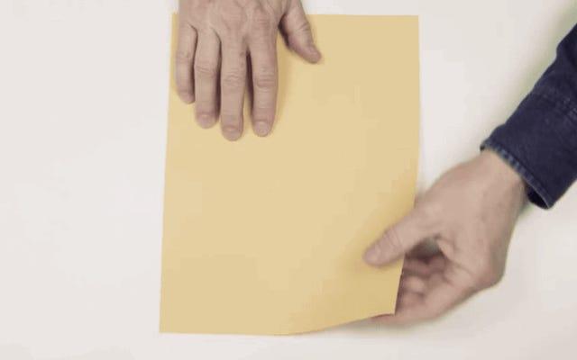 Voici comment plier un avion en papier record