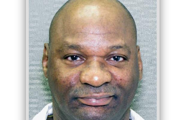 Dlaczego Bobby Moore nadal siedzi w celi śmierci, pomimo niedawnej decyzji Sądu Najwyższego na jego korzyść?