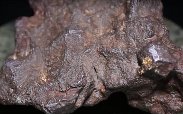 Hombre de Michigan descubre su tope en realidad un meteorito valorado en 100.000 dólares