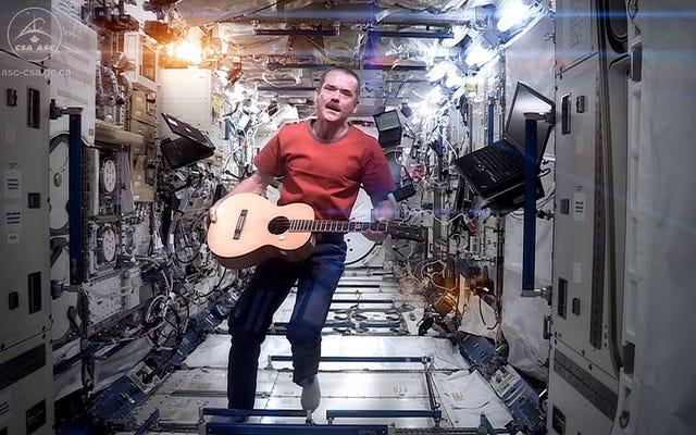 Einer der echten Major Toms deckte sogar David Bowie aus dem Weltraum ab