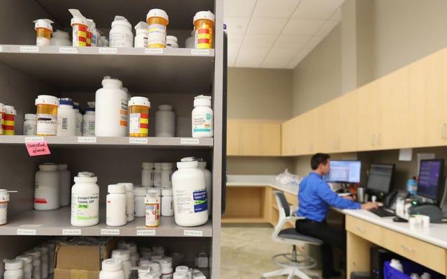 Apoteker Menolak Memberikan Obat kepada Wanita Yang Mengalami Keguguran Karena Dia 'Pria Katolik Yang Baik'