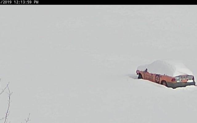 Les gens du Michigan parient sur le moment où une Saturne décrépite traversera la glace