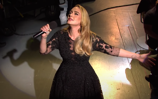 Please Enjoy These Crumbs Adele Threw at Us on Saturday Night Live