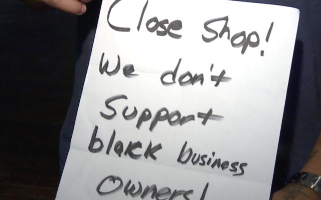 El salón de juegos de Indiana, propiedad de negros, apuntado con una nota de odio, 'No apoyamos a los negocios negros': Informe