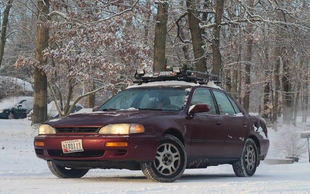 冬の車を見せて