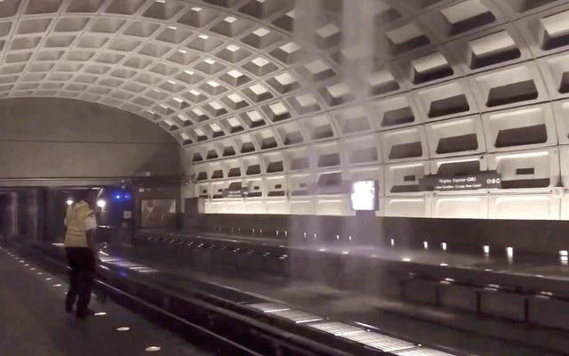 Il pleut à l'intérieur du métro alors que les inondations éclairs font rage à Washington, DC