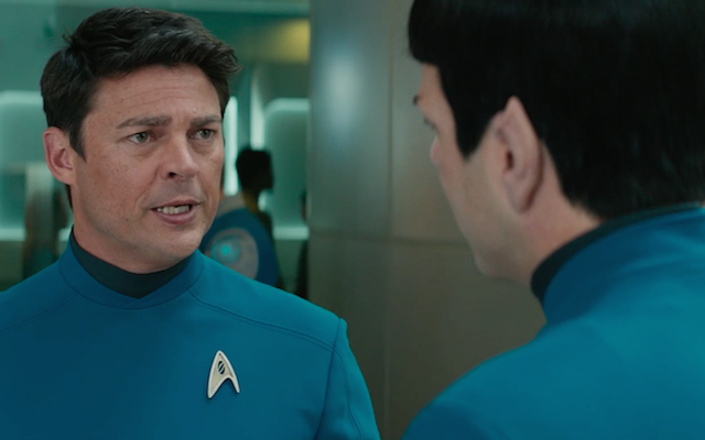 Bones uczy Spocka o miłości w nowym klipie Star Trek Beyond