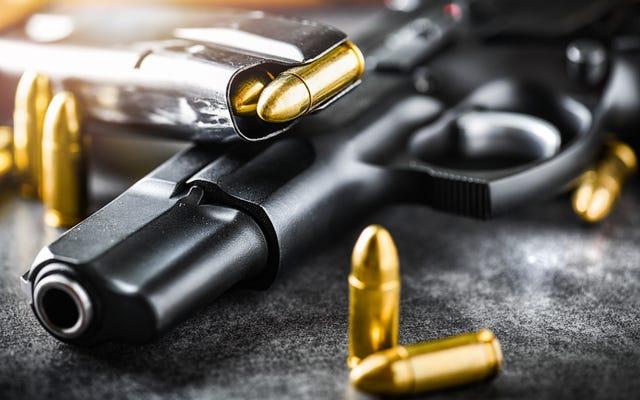 Pria Yang Mengemudikan Truk Lewat Pasadena BLM Maret Menimbun Senjata, Sedang Berencana 'Gangguan Sipil' Kata Pihak berwenang
