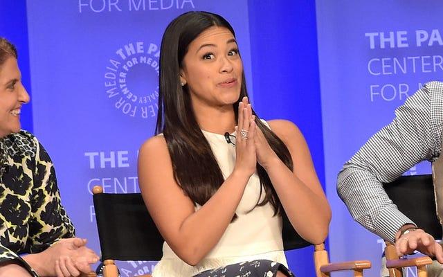 Gina Rodríguez insta a los actores latinos a usar su poder para más roles