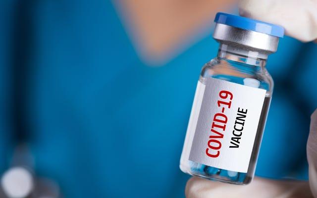 Todos los adultos mayores de 65 años pronto podrán ser elegibles para la vacuna COVID