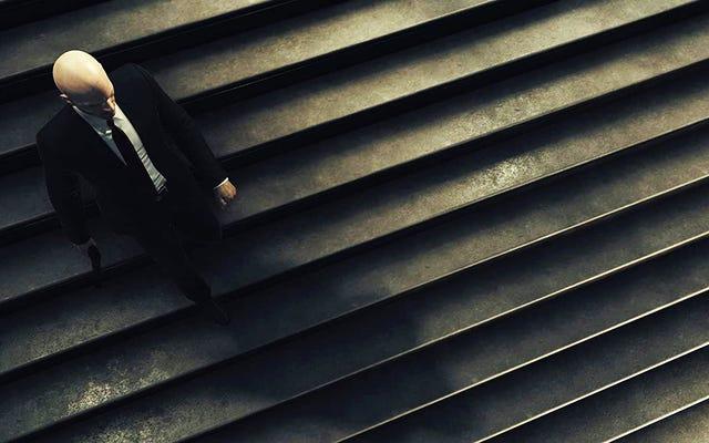 Salut agent 47, ralentis dans les escaliers, tu pourrais blesser quelqu'un