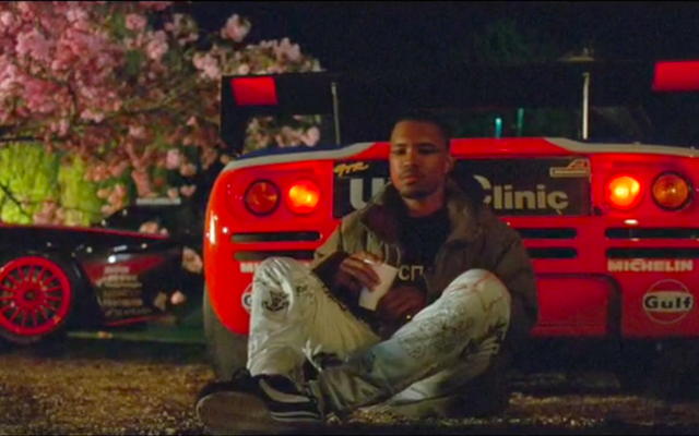 Frank Ocean regresa en un McLaren F1 GTR en su nuevo video 'Endless'