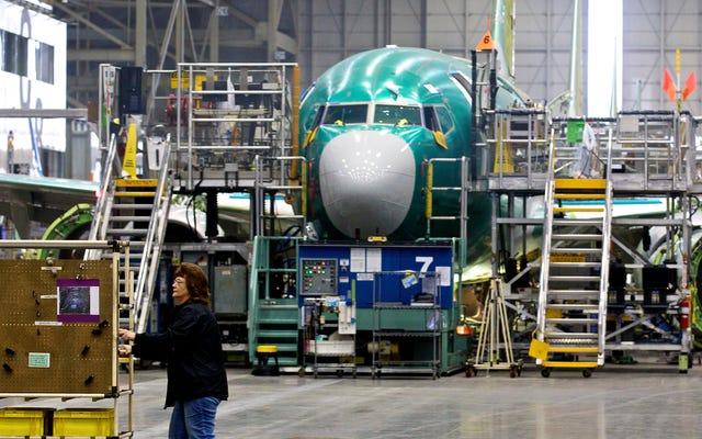 FAAは、「構造的亀裂」の発見後、ボーイング737次世代ジェット機の検査を命じました