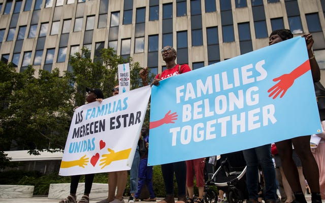 Les avocats luttent toujours pour réunir plus de 500 enfants migrants avec leurs parents