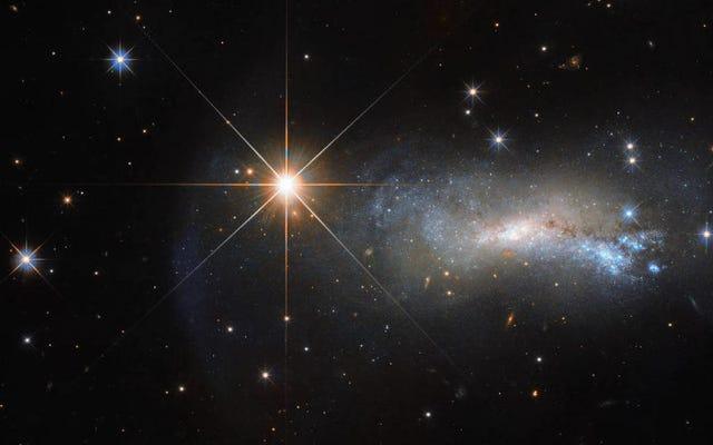 Il y a un signal radio de l'espace lointain qui se répète dans un cycle constant tous les 16 jours
