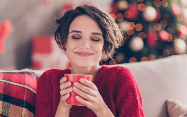 今から新年までエッグノッグをコーヒーに入れましょう