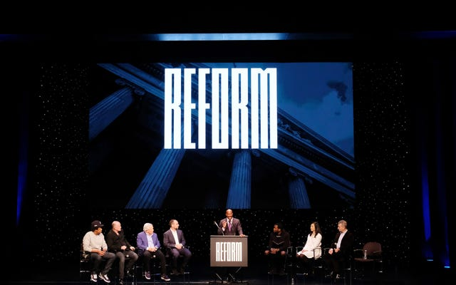 Jay-Z i Meek Mill's Reform Alliance, aby wysłać 100 000 masek do więzień