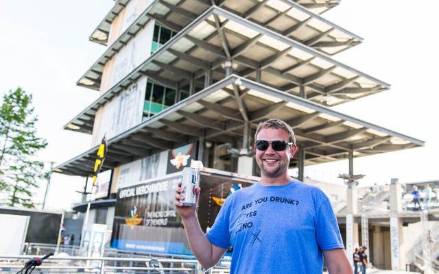 Facciamo un tour dal vivo dei folli campeggi dell'Indianapolis 500