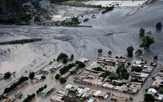 ダカールラリーのほぼ半分は悪天候、大規模な地滑りのために実行されていません
