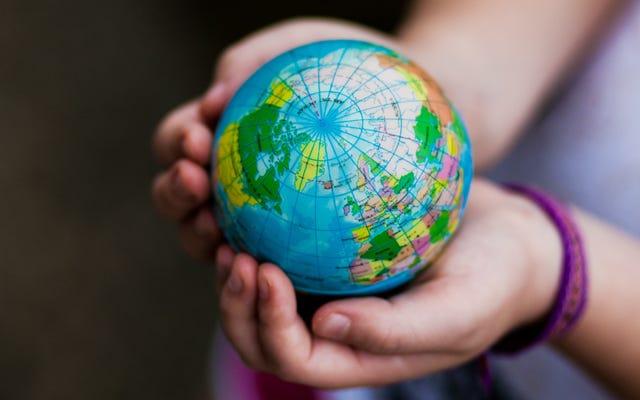 สร้างหนังสือเดินทางกับลูก ๆ ของคุณเพื่อ 'เดินทาง' ไปทั่วโลก