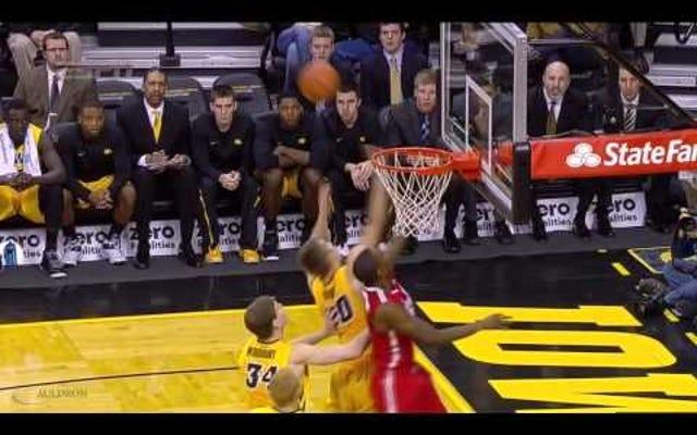 ダンジェロラッセルは大学バスケットボールの最もスムーズな暗殺者です
