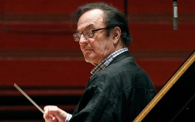 Un chef d'orchestre suisse accusé d'agression sexuelle se fait ovationner au concert de Paris