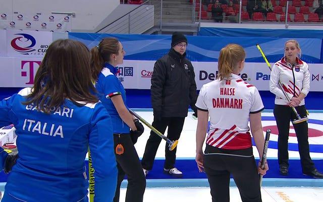 ओलंपिक कर्लिंग क्वालीफ़ायर विनम्रता से पागल हो जाता है, पागल डेनिश शॉट के साथ खत्म हो जाता है