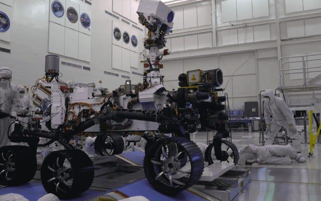 Впервые посмотрите ролик NASA Mars 2020 Rover Roll